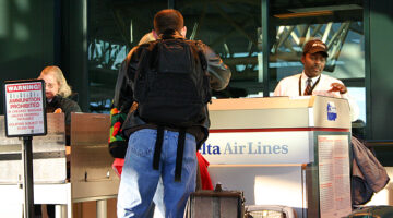 Tips For Traveling With Luggage: About Airline Baggage Handlers & Unclaimed Baggage
