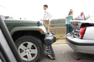 Jot This Down!… 9 Things You MUST Do If You Are In A Car Accident