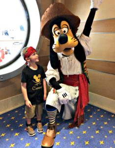 We caught Goofy walking through the hallway when he wasn't posing for photographs... he posed for us real quick anyway!