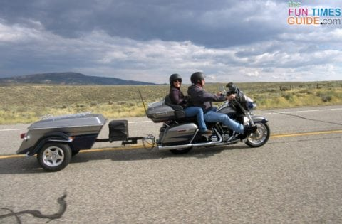 This photo gives a good view of our friends' CVO Ultra Limited, pull-behind-trailer, and cooler.