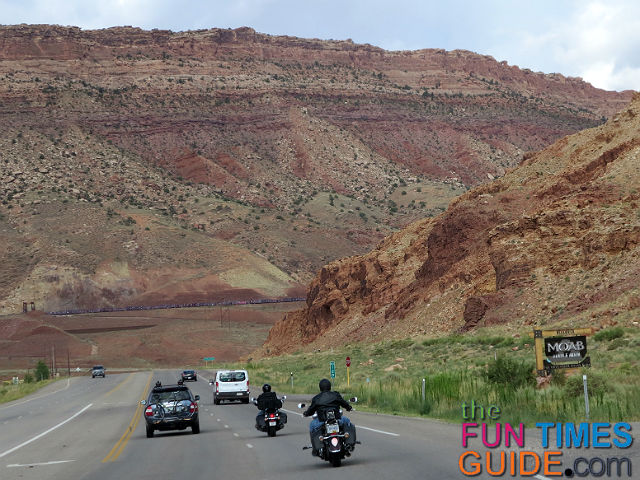 leaving-moab-toward-arches-ntl-park