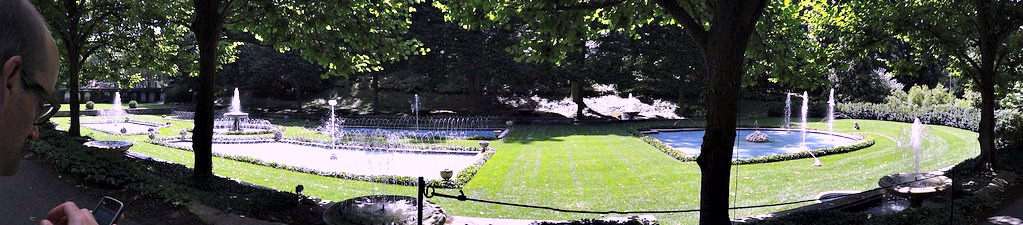 I didn't get to see a Longwood Gardens fountain show while I was there, but I've heard they're amazing!
