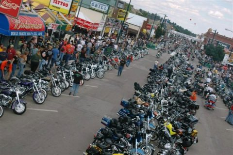 motorcycles-on-main-street-sturgis