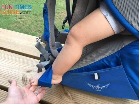 The cockpit seat on the Osprey baby carrier has adjustable stirrups for baby's ultimate fit and comfort.