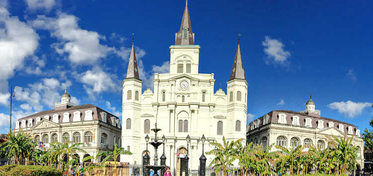 A list of fun things to see and do when visiting St. Louis Cathedral in New Orleans, Louisiana.