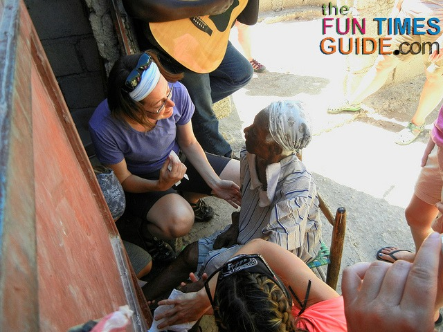 volunteer tourism essay The top 10 reasons to volunteer overseas explored by experienced author of a classic book on volunteering, zahara heckscher, who offers her unique perspective.