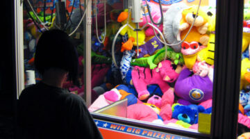 How To Win At The Claw Machine: Proven Tips For Winning At Amusement Park Crane Games