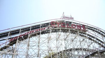 5 Wood Roller Coasters You've Got to Ride